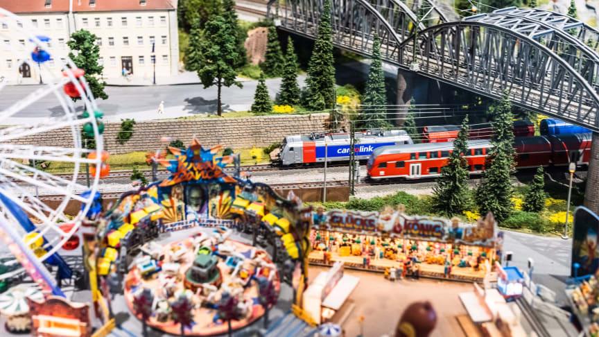 Teknisk museum har åpnet en av Norges mest innholdsrikemodelljernbaner. Der kan man fantasere om sine drømmereiser i helger og ferier.