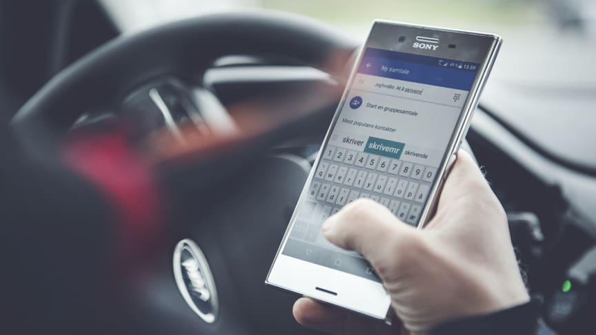 8236 med «mobilbot»: Vil bekjempe unge føreres mobilbruk med gratis opplæring