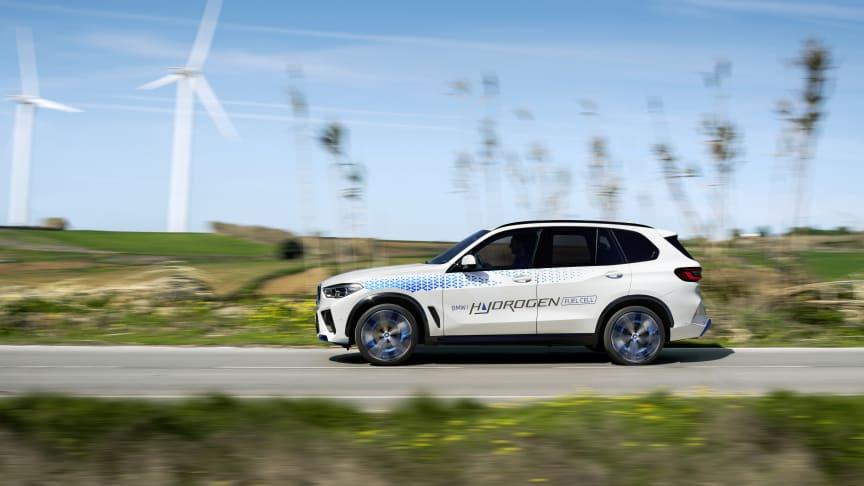 BMW esittelee iX5 Hydrogen -vetyauton IAA-tapahtumassa