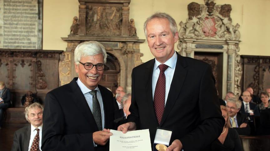 Danner-Medaille in Gold für Bremer Polizeipräsidenten Lutz Müller