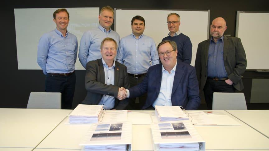 Fosen Vind AS undertegner kontrakten for infrastruktur til Storheia vindpark med Veidekke Entreprenør AS. Vindparken blir den største i Norden.