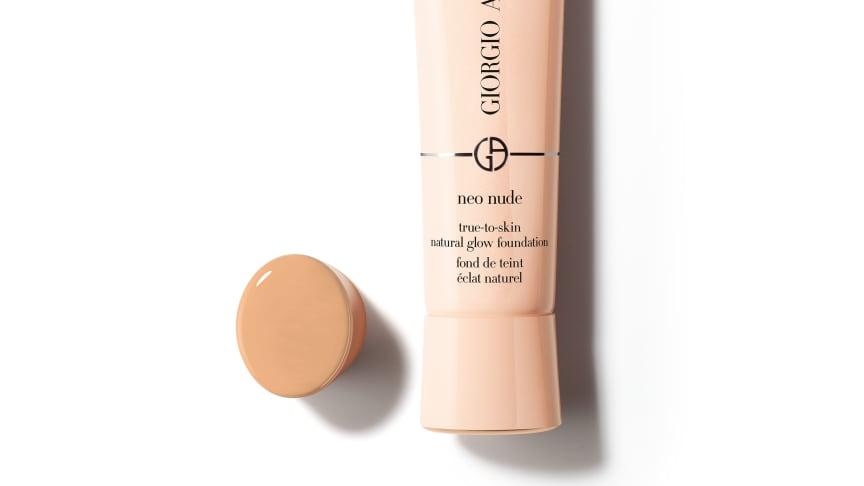 Luonnollisen heleä meikkivoide: Giorgio Armani Neo Nude True-To-Skin Natural Glow Foundation