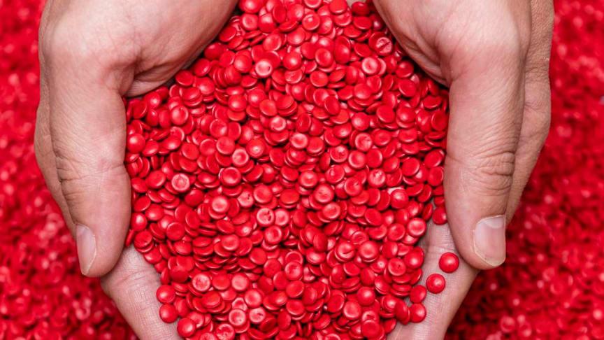 Hochwertige Compounds, Ausgangsprodukt für die Kunststoff verarbeitende Industrie