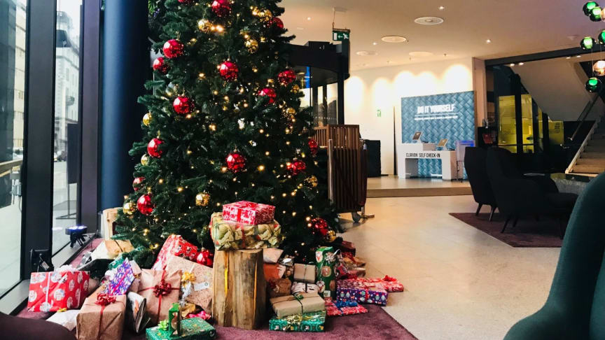 Insamling av julklappar på Clarion Hotel Sign i Stockholm.