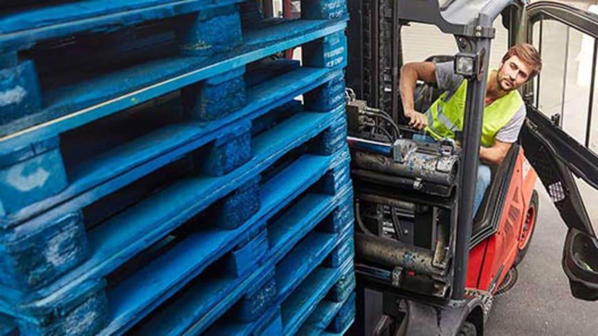 Paulig blir först i Finland med koldioxidneutrala lastpallar