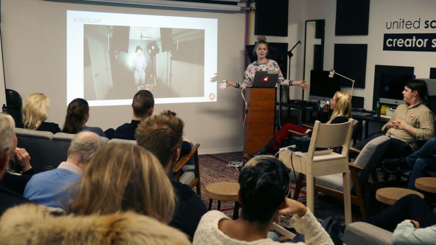 """Lisette Alfredsson höll seminariepunkten """"Lightning session for video or photography"""""""