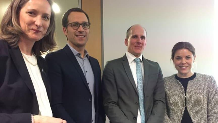 Fachkundige Informationen zur Gründung von MVZ: Sybille Schultebraucks, Michael Frehse, Dr. Tobias Scholl-Eickmann und Lisa Gausepohl (v.l.). Foto: apoBank