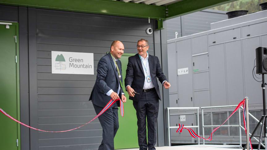 Ribbon Cutting - Green Mountain & Volkswagen Opening 1200 x 800