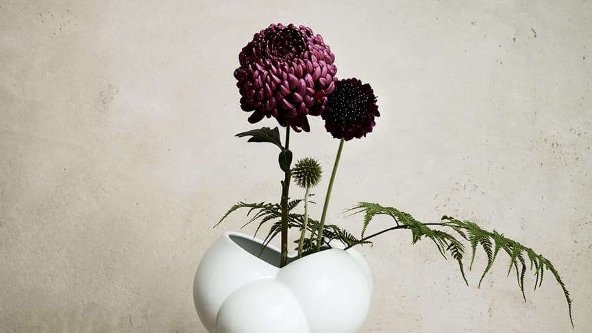 """Abgeleitet vom dänischen Wort für Schaum: die neue Rosenthal Vase """"Skum""""."""