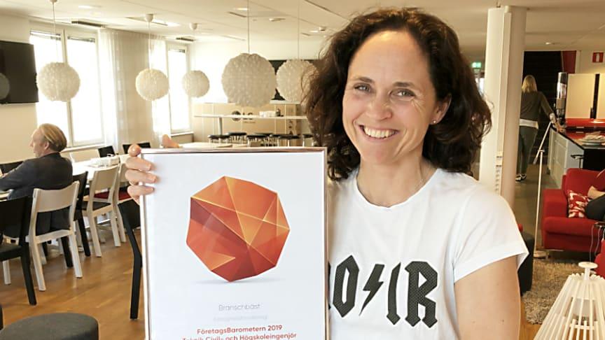 Riksbyggen har även tidigare fått utmärkelsen branschbäst, senast i undersökningen FöretagsBarometern. På bilden Maria Sörén employer branding-ansvarig på Riksbyggen.