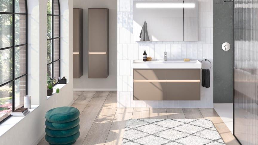 På bilden badrumsmöbler ur serien Collaro i färgen tryffelgrå, från Villeroy & Boch
