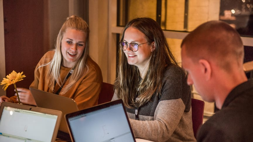 En undersökning gjord av Telavox och Nationalencyklopedin visar på att många lärare inte har tid att lära ut programmering på grund av tidsbrist.