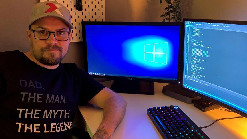 Sjubarnspappan Patric Bergkvist har jobbat som målare och frilansat som fotograf. Trots att han saknade formella meriter kom han nyligen in på en YH-utbildning i .NET-programmering.