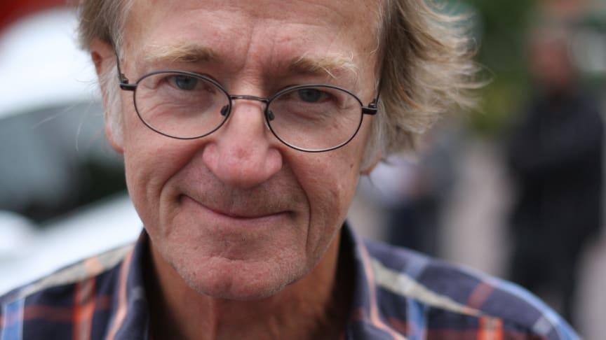 Tom Alandh tilldelas 2014 års Cordelia Edvardson-pris