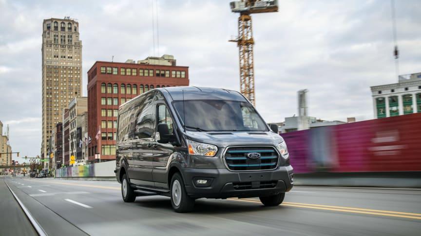 Fords nye helelektriske E-Transit: Lang rekkevidde, stor lastekapasitet og banebrytende teknologier
