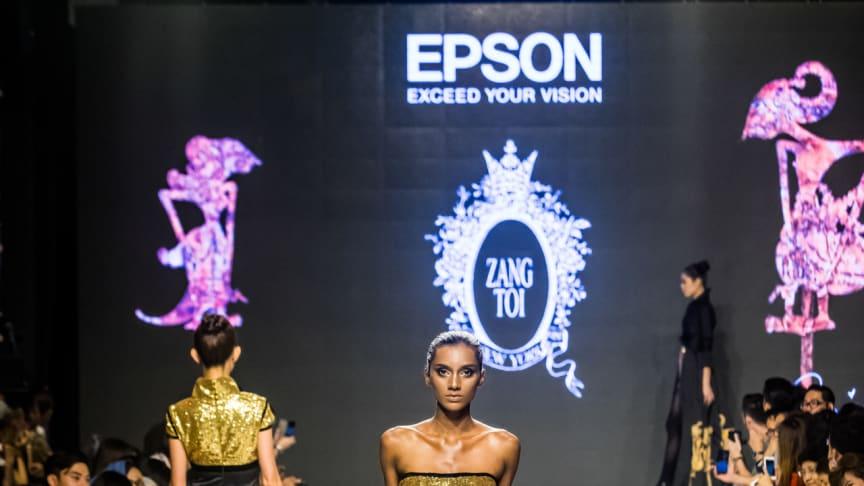 Koleksi Toi - The Dressmaker yang dicetak menggunakan printer digital tekstil Epson SureColour.