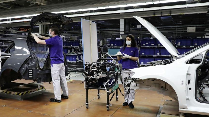Volkswagen genstarter trinvis produktionen af person- og erhvervsbiler