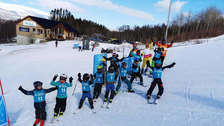 80 000 barn opp til 13 år deltar i år i Telenor Karusellen, som er Skiforbundets viktigste og største rekrutteringstiltak.