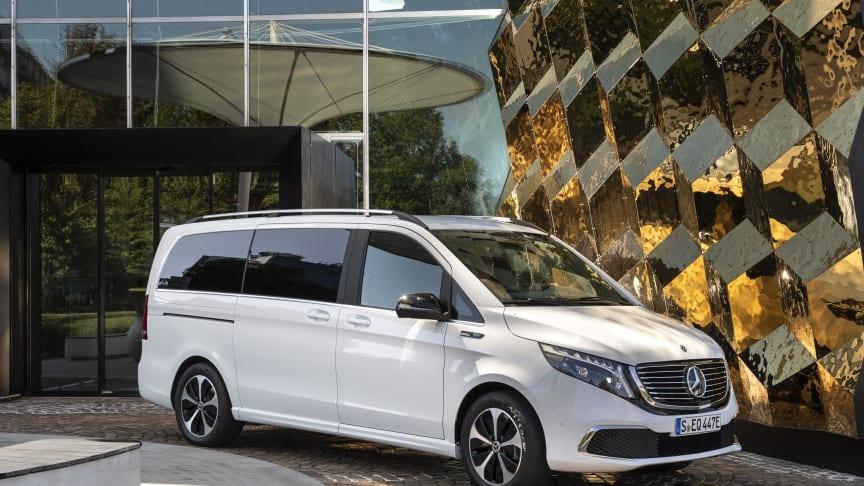 8-personers elbil fra Mercedes-Benz har fået prisskilt