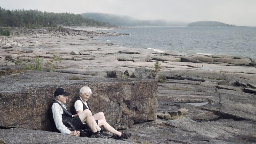 I utställningen får vi följa Ainas och Tages liv som åldrande par. Foto: Rebecka Uhlin.