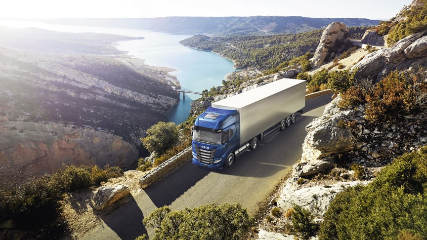 IVECO S-Way NP - Sustainable Truck of the Year 2021