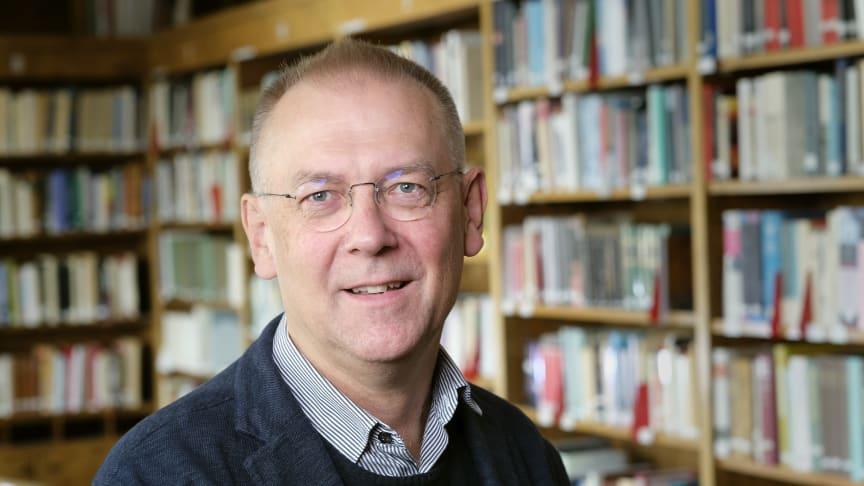 Peter Gillgren, professor i konstvetenskap vid Institutionen för kultur och estetik vid Stockholms universitet, har tillträtt som preses i Kungl. Vitterhetsakademien.