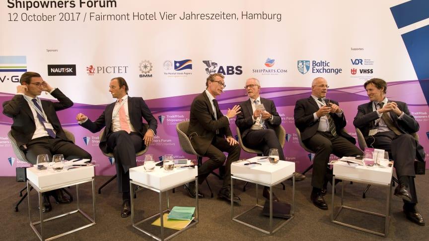 Nicolaus Bunnemann, Christoph Toepfer, Julian Bray, Anthony Firmin, John Freydag and George Hulse.