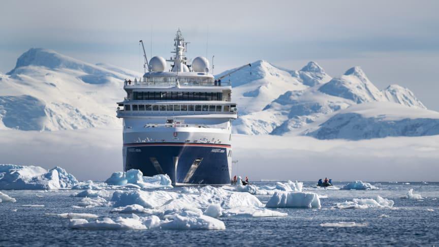 Hapag Lloyd gör kryssningar runt hela världen, bland annat till Antarktis.