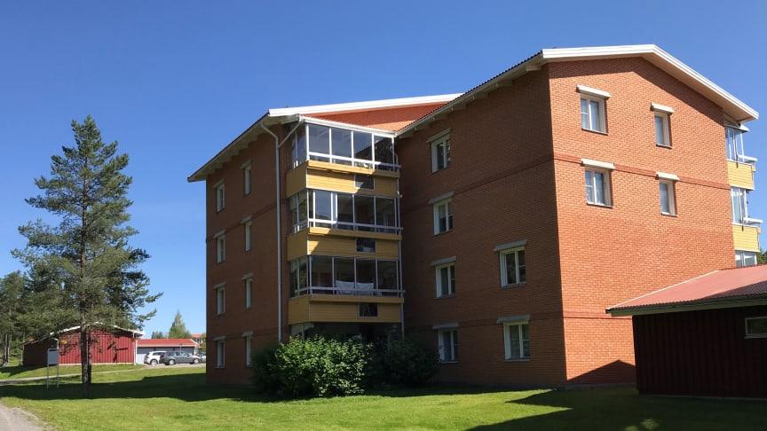 Fastigheten Bakplåten 1 i Torvalla, Östersund, är en av de fastigheter som Riksbyggen kommer att förvalta åt Niam.