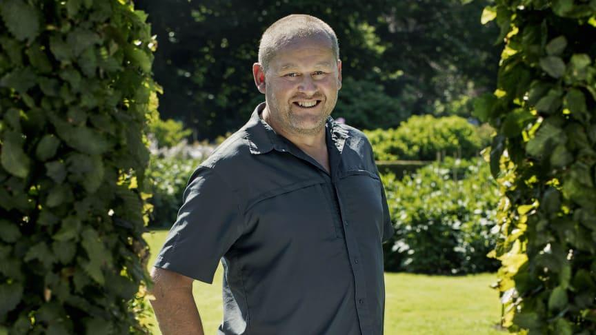 John Taylor är konstnärlig ledare för Trädgårdsveckorna på Sofiero. Foto: Helen Linsjö