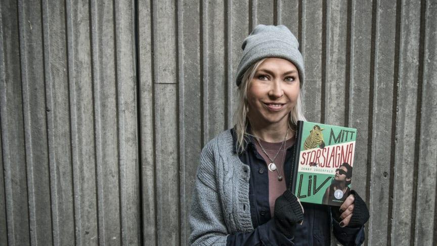 Jenny Jägerfeld har vunnit Barnradions bokpris för sin bok Mitt storslagna liv.