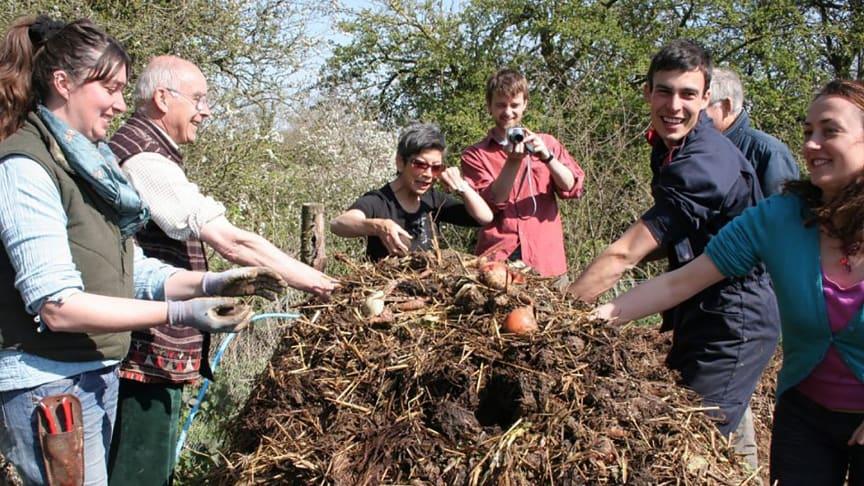 Zusammenarbeit in der biodynamischen Landwirtschaft (Foto: Richard Swann, Copyright: Biodynamic Association UK)