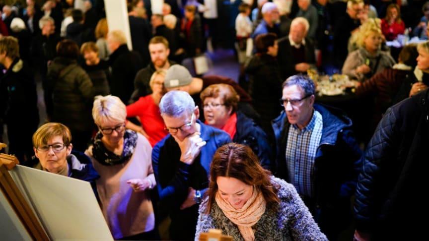 Över 300 personer kom när Riksbyggen bjöd in till informationsmöte om den första etappen vid Strömsör.