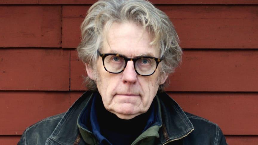 Arne Johnsson läser Dagens dikt i Sveriges Radio