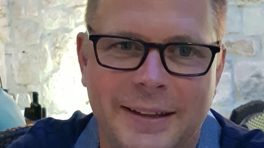 Horndahls Golv & VåtrumsService är ett av de just nu 736 företag som genom att vara GVK-auktoriserat är beredd på besök av kontrollant som gör stickprov på eventuella brister i våtrumsinstallationer. Benny Horndahl går dock ett steg längre...