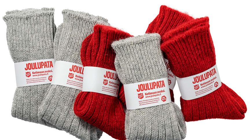 Joulupata ja Helsingin Villasukkatehdas kehittivät yhteistyössä Joulupadalle omat nimikkovillasukat. Ostamalla villasukat tekee hyvän teon, sillä tuotto lahjoitetaan Joulupataan.