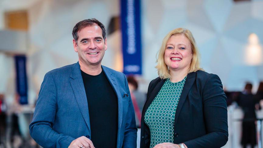 Daglig leder Andreas Gillund i Greve Biogass og administrerende direktør Ragnhild Borchgrevink i VEAS på Enovakonferansen i Trondheim.