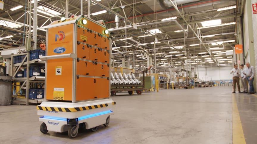 """Fords nya robot """"Survival"""" ska underlätta vardagen för anställda när den nu lanseras i företagets fabriker i Europa."""
