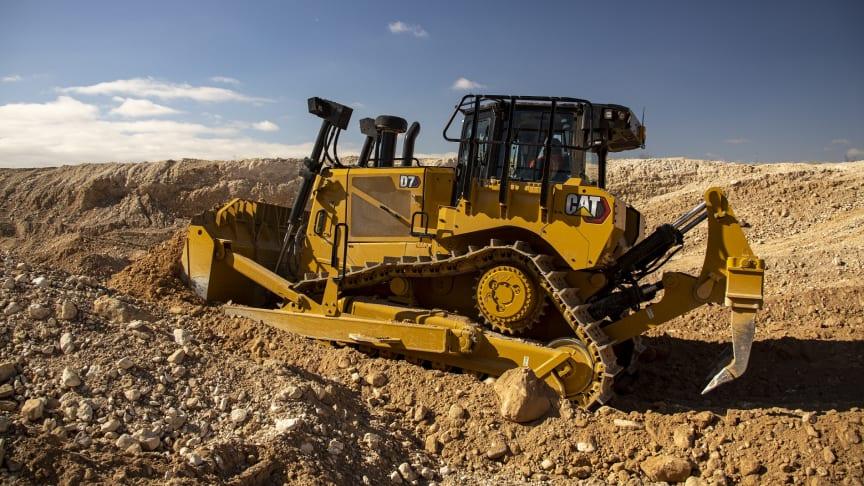 Caterpillar lanserar nya bandschaktaren Cat D7. Det förhöjda drivhjulet är tillbaka!