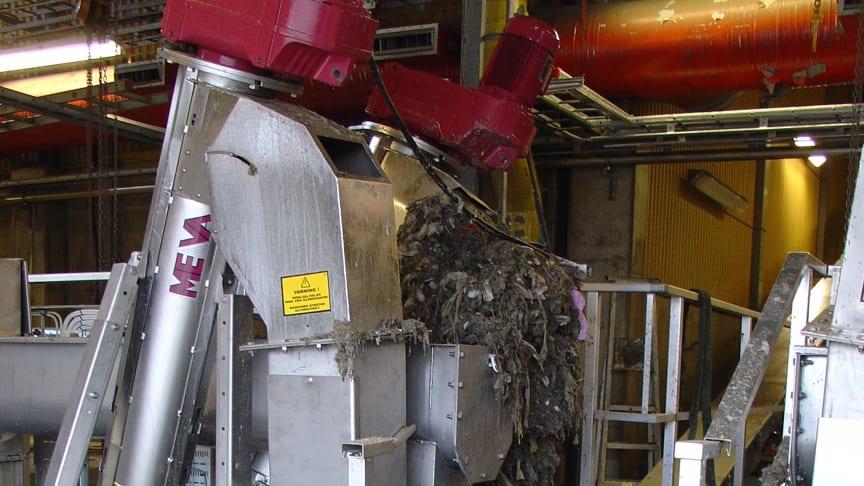 Skräp i rensgaller på VA SYDs avloppsreningsverk
