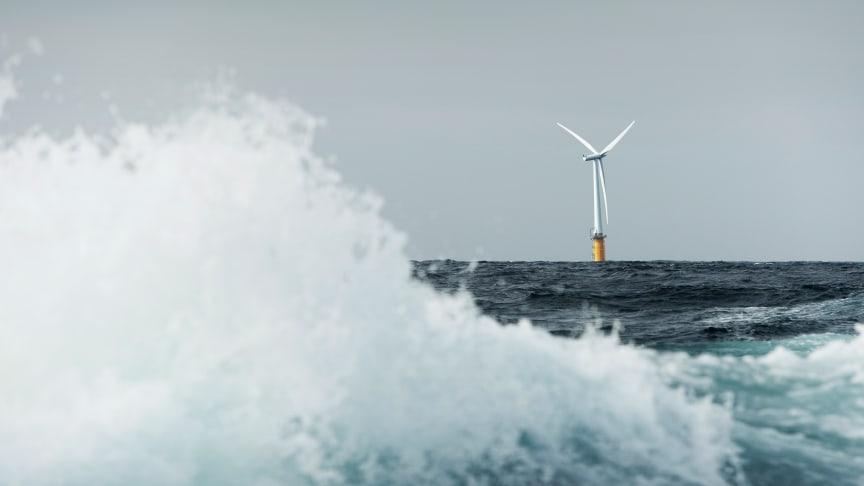 Schwimmendes Windrad in der Nähe der norwegischen Insel Karmøy