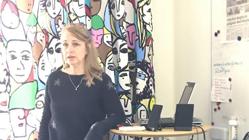 Anna Kremel i lägenheten på Ängen.