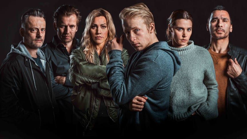 F.v: Jesper Malm, Kyrre Hellum, Silje Torp, Odin Waage, Inga Ibsdotter Lilleaas og Duc Mai-The.  Foto: TV3/Bendik Stalheim Møller