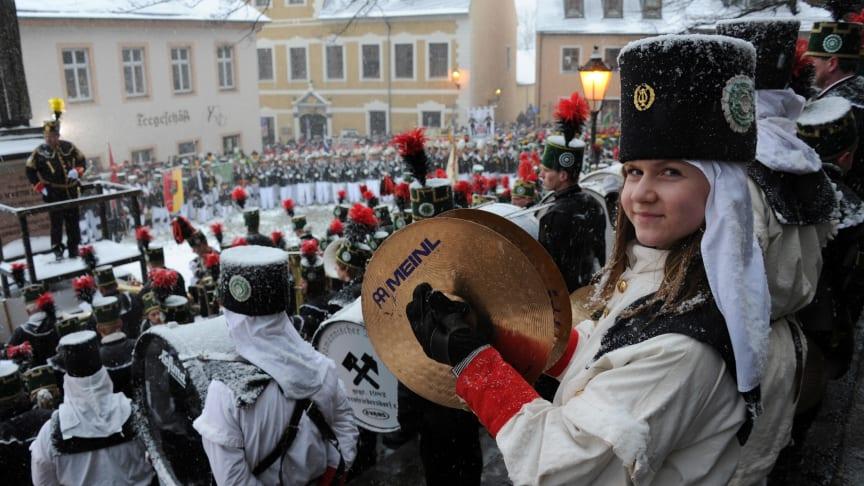 Welterbe mit Taktgefühl- bei Bergparaden werden Traditionen lebendig erhalten, die aus dem Bergbau entstanden sind.