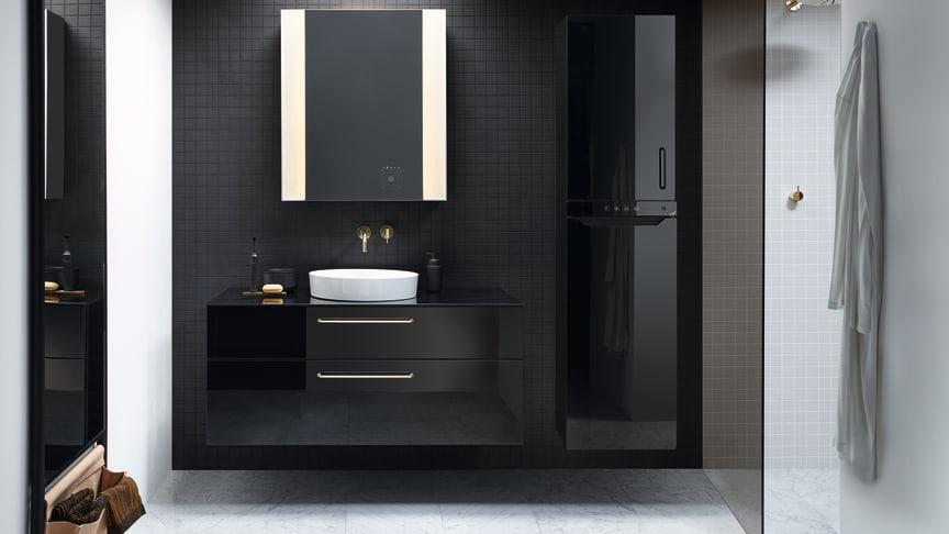 Innerhalb des maßflexiblen sys30-Möbelprogramms von burgbad bietet die Möbeleinheit aus Schrank und Wärmekomfortgerät Zenia von Zehnder individuelle Gestaltungsmöglichkeiten, die sich perfekt in durchgestaltete Badkonzepte einfügen. (Foto: burgbad)