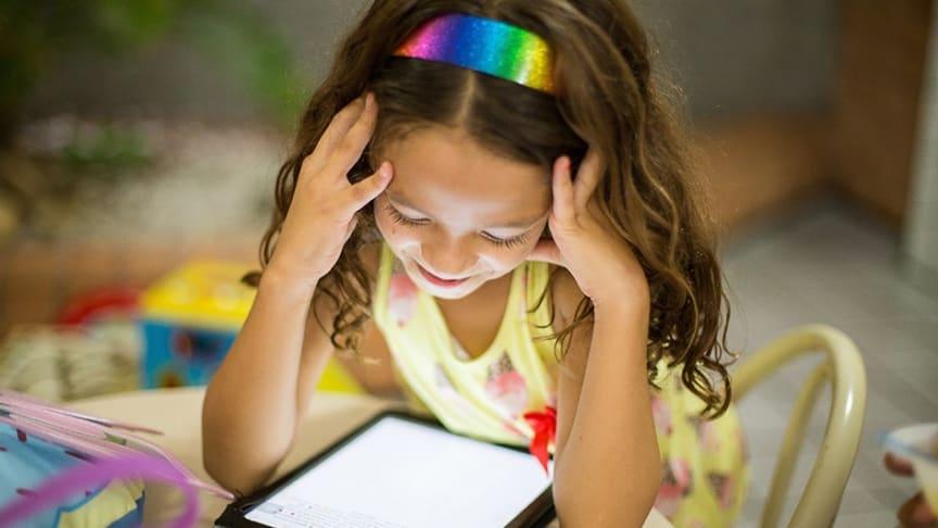 Börja med att göra en synundersökning om ditt barn har svårt att koncentrera sig i skolan
