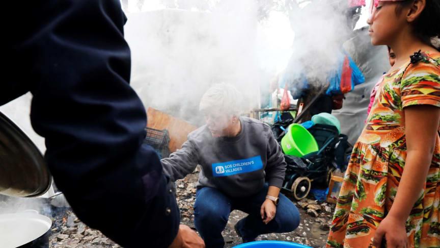 Flüchtlinge auf der griechischen Insel Lesbos: Die Hilfsorganisation SOS-Kinderdörfer unterstützt. Foto: Georgos Moutafis