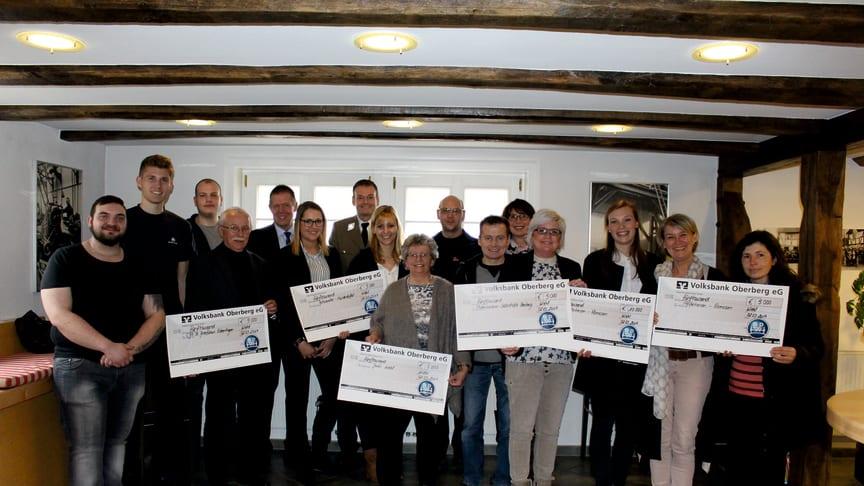 Anfang März wurden die Spenden an die oberbergischen Vereine und Organisationen übergeben