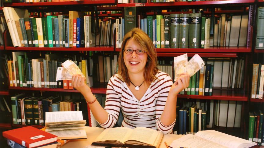 Insbesondere für Studenten, die bereits vorher eine Ausbildung abgeschlossen haben, kann es sich lohnen, eine Steuererklärung abzugeben.