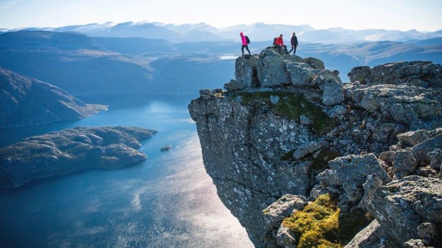 Hornelen er Europas høyeste sjøklippe. Foto: Sverre Hjørnevik/Fjord Norge